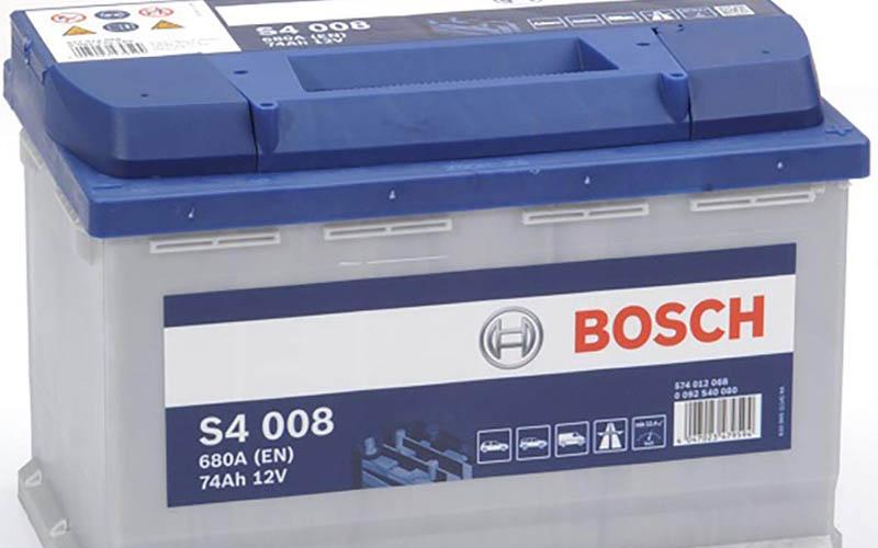 batterie_de_voiture_la_Bosch_S4008_1