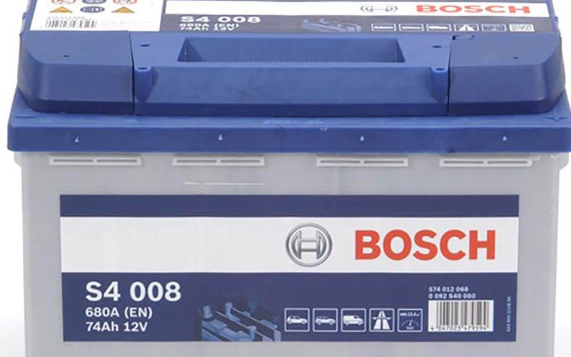 batterie_de_voiture_la_Bosch_S4008_2