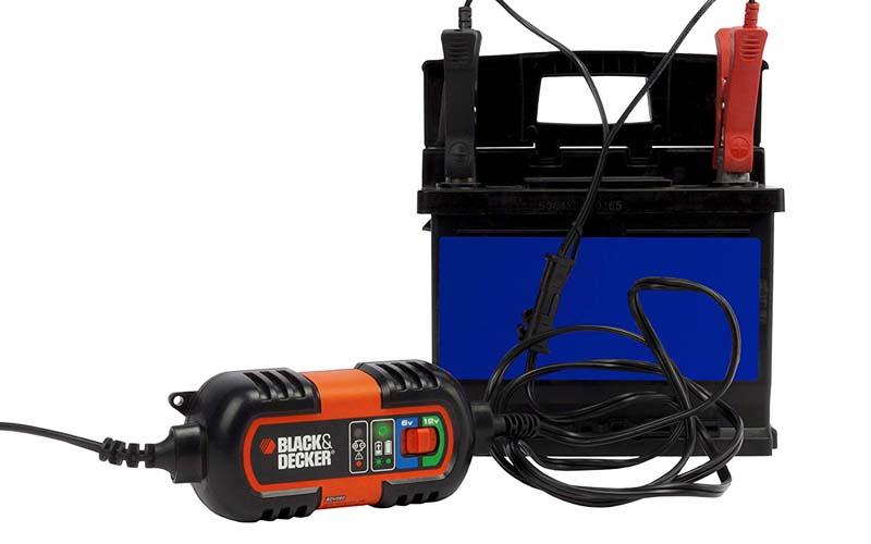 chargeur_batterie_voiture_Black & Decker BDV090